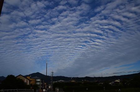 比叡山と秋の雲