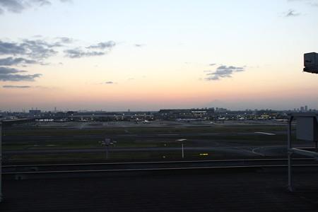滑走路の夕陽1