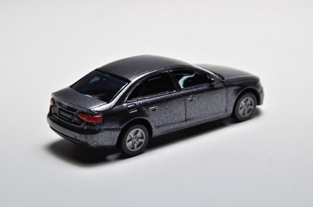 サントリーボス_アウディコレクション Audi A4_002