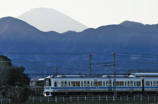 1000形電車と富士山