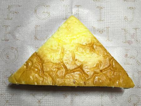 『どんぐり』の「三角パン ハーフ」04