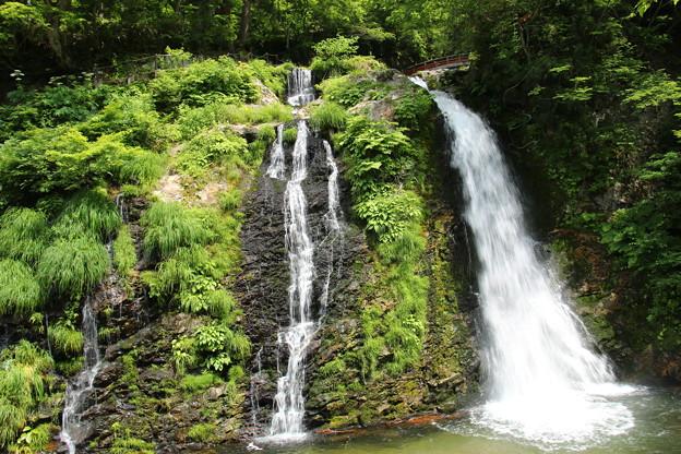 銀山温泉にて 白銀の滝