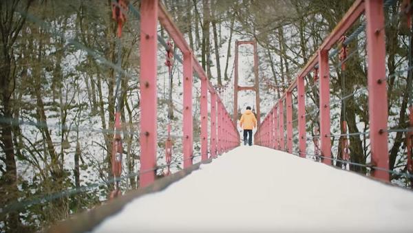 【動画】山?賢人のギャラクシーWEBムービー#1「吊り橋」篇が公開!ロケ地は秋田県の夏瀬橋