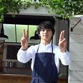 Photos: 山崎賢人がバルタン星人に!?「野菜スムージー」新CMのメイキングでみせたおどける山崎