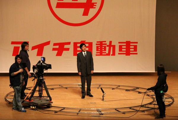 ドラマ「LEADERS II」キャスト&あらすじ!佐藤浩市が「日本の車を世界一にしよう」と呼びかける!