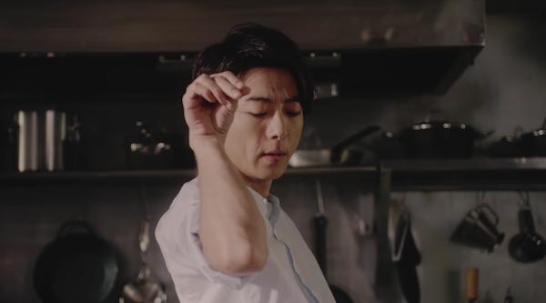高橋一生が世界の地元メシの料理に挑戦する動画