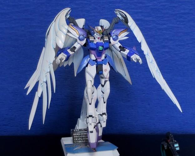 10 MG. Wing Gundam Zero EW  XXXG-00W0
