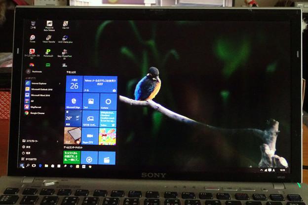 Windows10アップグレード(起動画面・背景画像)