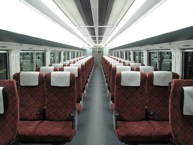 E653系1100番代の車内