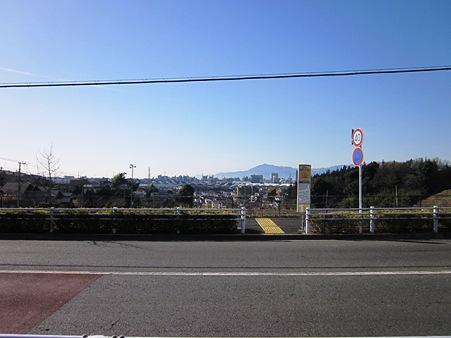 見晴らしの丘より大山をみる。