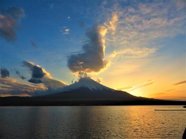 写真: 富士山 輝き