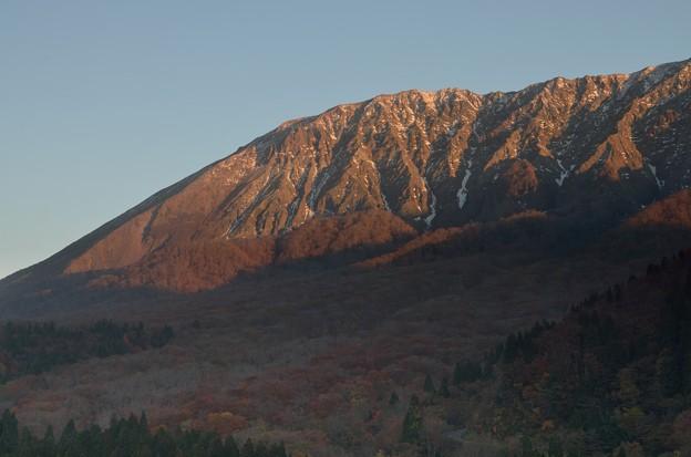 朝焼けの大山