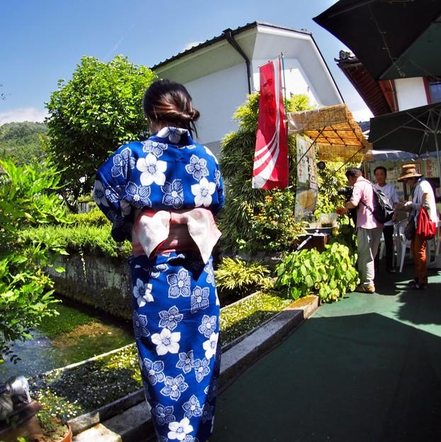 Photos: 醒ヶ井には和服が似合う