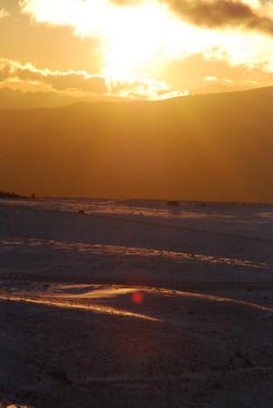 雪山の朝日
