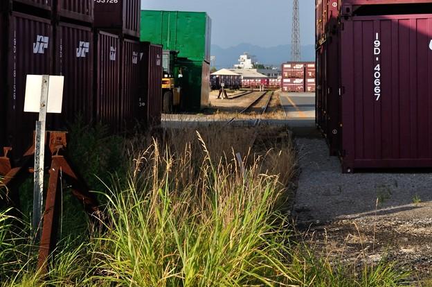 港の線路 07