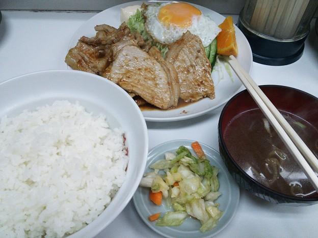美華楼の生姜焼き定食