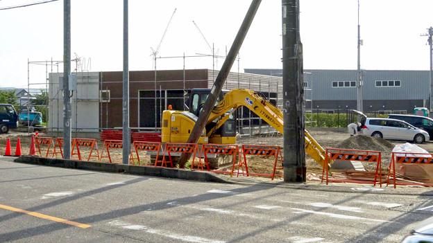上末交差点のGSが閉店して、コンビニ建設中? - 1
