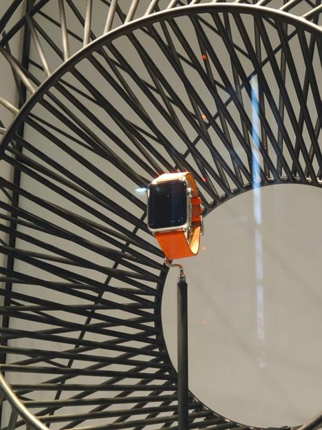 名古屋三越栄店1階に「Apple Watch Hermès」のディスプレイ - 3