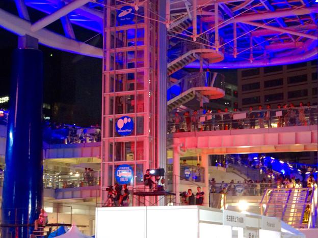 世界コスプレサミット 2016 No - 9:大勢の人で賑わう夜のオアシス21会場