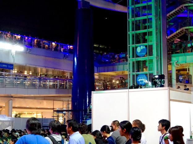 世界コスプレサミット 2016 No - 10:大勢の人で賑わう夜のオアシス21会場