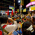 大須大道町人祭 2016:夜の花魁(おいらん)道中 - 17(休憩&着付け等直し中)