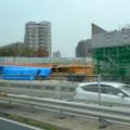 中央道を走る高速バスの中から見た、桃花台線中央道上高架撤去工事現場(2016年10月22日) - 1