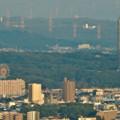 写真: ミッドランドスクエア「スカイプロムナード」から見た景色(夕方) - 31:東山スカイタワーと東山動植物園の観覧車