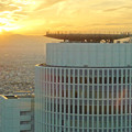 写真: ミッドランドスクエア「スカイプロムナード」から見た景色(夕方) - 59:セントラルタワーズ越しに見た夕焼け