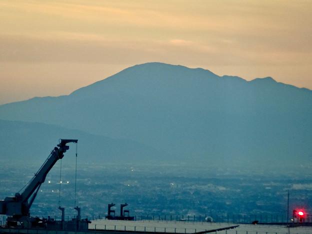 写真: ミッドランドスクエア「スカイプロムナード」から見た景色(夕方) - 66:伊吹山