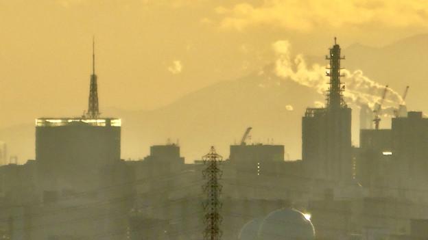 アピタ高蔵寺店屋上から見た景色 - 30:名古屋テレビ塔とNTTドコモ名古屋ビル