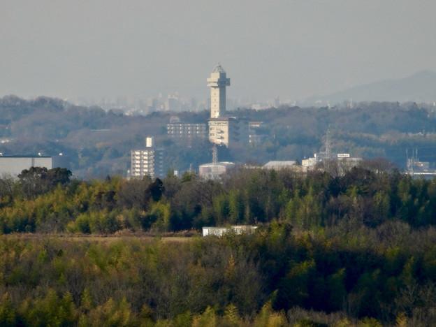 写真: 愛・地球博記念公園駅から見たスカイワードあさひ - 1