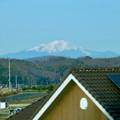 写真: リニモ車内から見えた、雪を戴く御嶽山 - 1