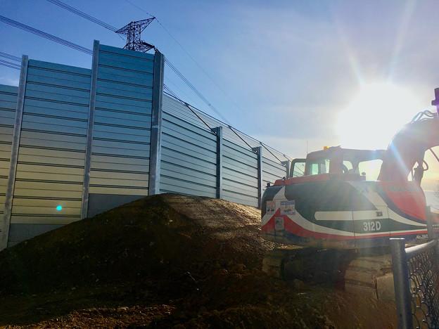 桃花台線の中央道上高架撤去工事高架(撤去後、2017年1月17日):防音壁の設置完了? - 2