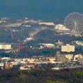 東山スカイタワー展望階から見た景色 - 8:愛・地球博記念公園の大観覧車とリニモ