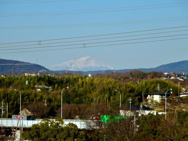 落合公園 水の塔から見えた御嶽山 - 1