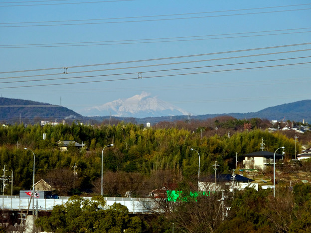 写真: 落合公園 水の塔から見えた御嶽山 - 1