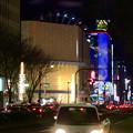 写真: 大津通から見た、ビル越しの夜のサンシャインサカエ観覧車とドンキホーテのイルミネーション - 3