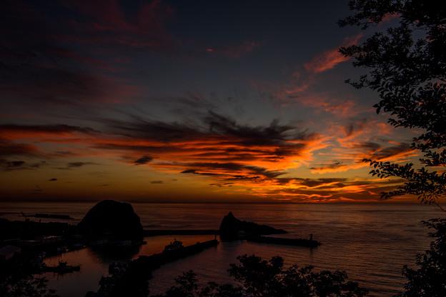 燃ゆるオホーツク海