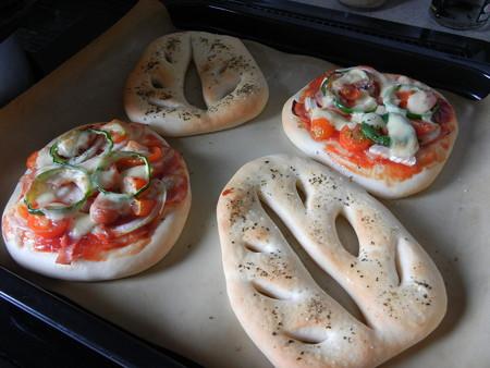 手作りピザとフーガス