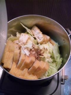 キャベツ煮るなう( ′ω `)