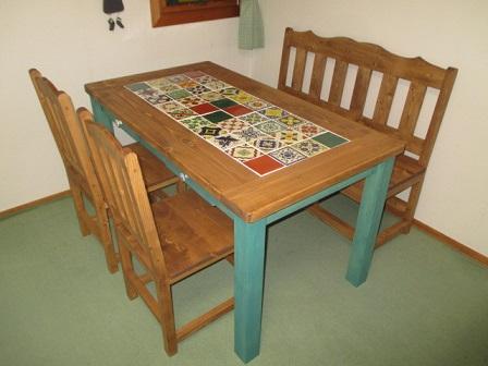 メキシコタイル付きダイニングテーブル