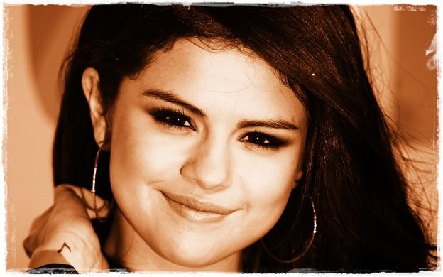 Beautiful Selena Gomez(900421)