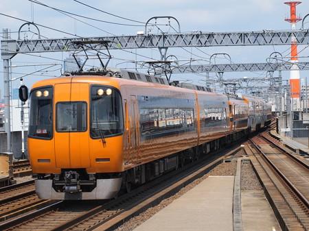 近鉄22000系回送 近鉄名古屋線八田駅