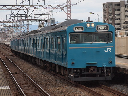 103系普通  阪和線美章園駅01