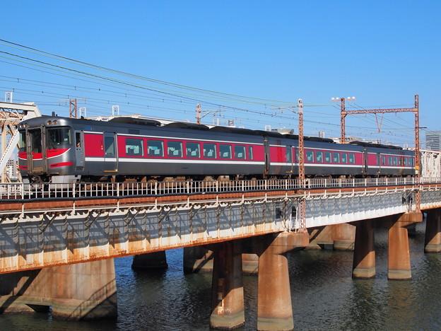 キハ189系回送 東海道本線新大阪~大阪