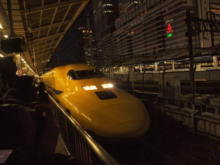 ドクターイエロー 東海道新幹線名古屋駅06