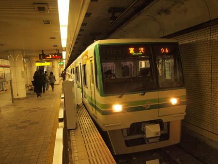 仙台市営地下鉄1000系南北線長町駅05