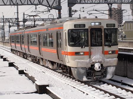 313系普通  関西本線八田駅02