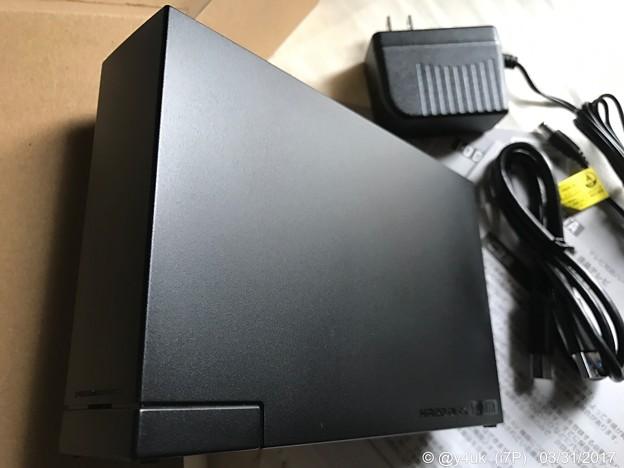つや消しブラックの外付けハードディスク ~NASのバックアップ用