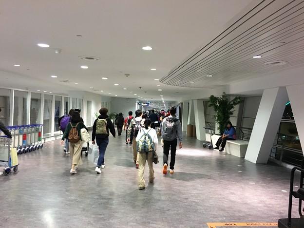 マレーシア クアラルンプール空港で一服 (1)